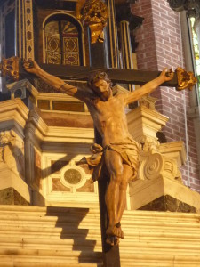 Crucifix église