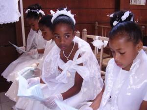 le de la Réunion - Confirmation dans la chapelle du Cirque de Mafate