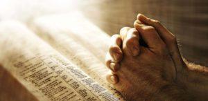 personne en prière