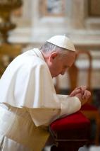 """Que signifie """"adorer Dieu"""" ? (Pape François – 6 janvier 2020)"""