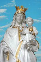 «Parlez à votre Fils pour nous, ô notre Sainte Dame»